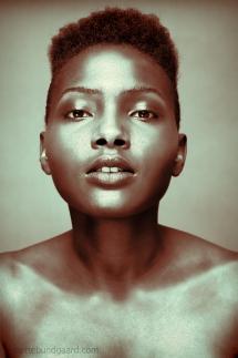 foto og makeup af Mette Bundgaard - Model Kuku Ira